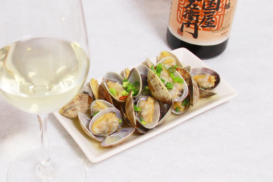 ワイングラスと純米吟醸 (1)